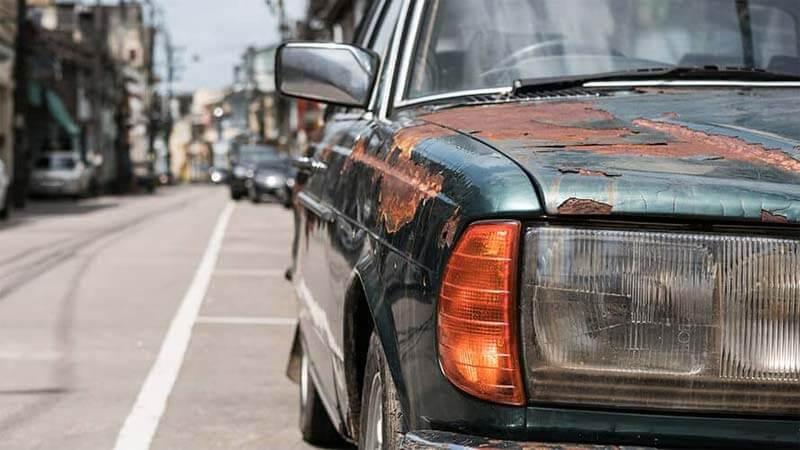 Auto ohne TÜV verkaufen - alter Mercedes
